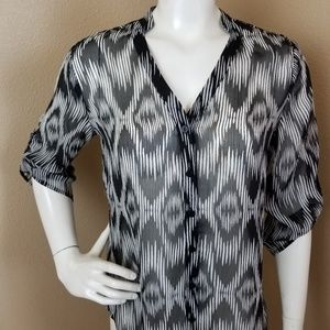 CHICO'S Semi Sheer 3/4 Sleeved Button Down Shirt